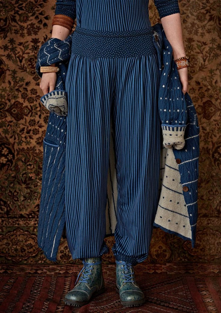 Express yourself down there with our patterned, striped & dotted pants & leggings. Always ethically sourced, always top quality. Explore more here.