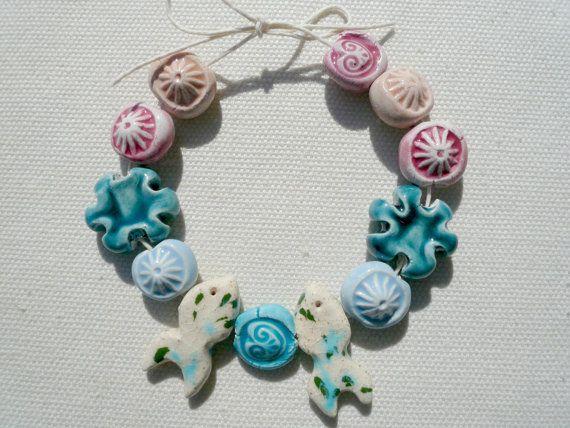 perline ceramica - perline ceramica fatte a mano - perline per collana - collana estate - collana primavera - perline rosa  perline celesti