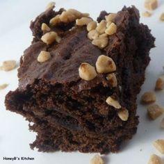 Brownies santé aux haricots noirs. Excellente recette. La quantité de café instantané n'est pas mentionnée. J'ai mis 1c. à thé de déca. Ça ne goûte pas vraiment mais c'était parfait comme ça. Vraiment succulents ces brownies.