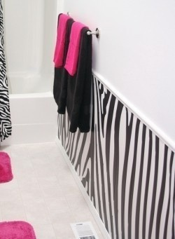 I've been contemplating doing some zebra print in my next bathroom...but instead of pink i am going to do lime green