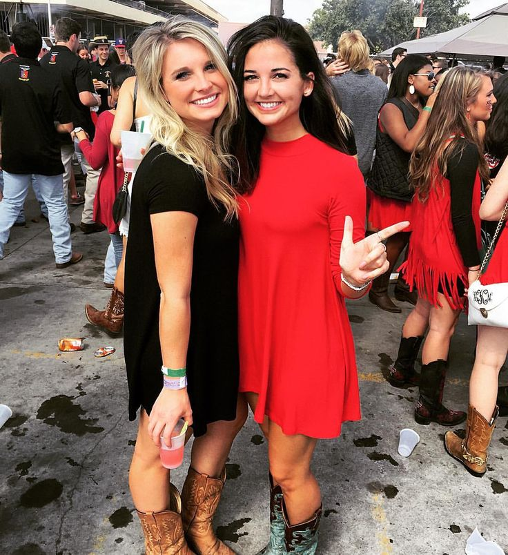 You know it's a Texas Tech tailgate because everyone is wearing cowboy boots #gunsup