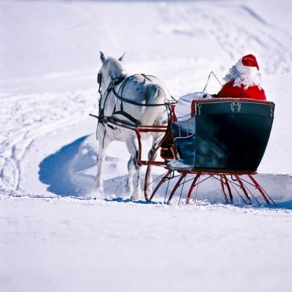 Santa!Santa Clause, Old Fashion Christmas, Jolly Holiday, Winter Wonderland, Country Christmas, Winter Sleigh, Sleigh Riding, Christmas Gift, Merry Christmas