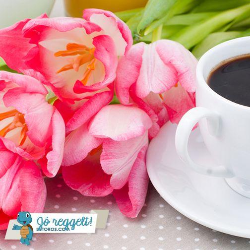 VIRÁGOS JÓ REGGELT!  Készíts pár szál vágott virágot a reggelizőasztalra a kávéd mellé, hogy színesen és üdén induljon a napod! :) #jóreggelt