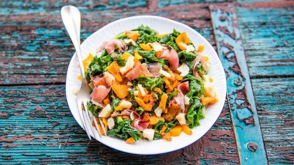 Pompoen salade met boerenkool, Parma ham en Parmezaanse kaas