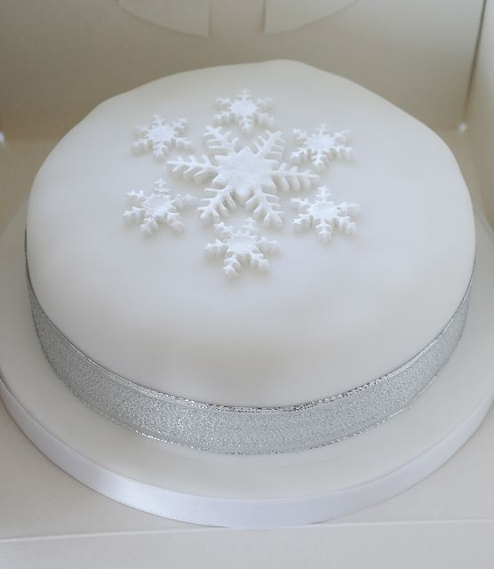 Cake Design Mensile : 1000+ images about Christmas Cake Designs on Pinterest ...