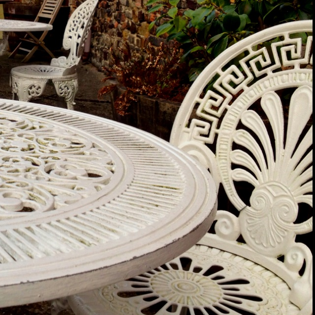 Wrought Iron Garden Furniture - WANT