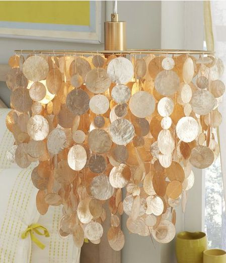 beautiful #gold pendant chandelier http://rstyle.me/n/i87wmr9te