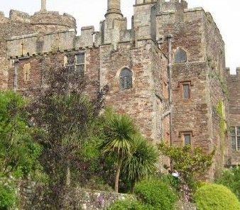 """Berkeley Castle has been lived in by the same family for over 900 years. It is where history has been made. Where Edward II was murdered, where the Barons of the West gathered before Magna Carta and where Queen Elizabeth I hunted and played bowls. Berkeley Castle is one of the most remarkable buildings in Britain and possibly the most outstanding example of Mediaeval domestic architecture in the country.Where other Castles were romanticised or """"modernised"""" by the Georgians or the Victorians…"""