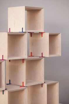 Modular shelving system with 3D printed joints.