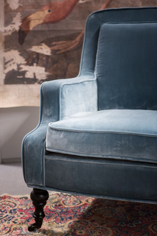 Armchair Yolande. Made of soft, elegant velvet in the original colors. Suits to every interior designs.