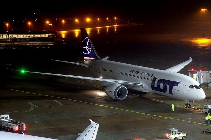SP-LRB (8346173067) (2) - Boeing 787 Dreamliner - Wikipedia, the free encyclopedia