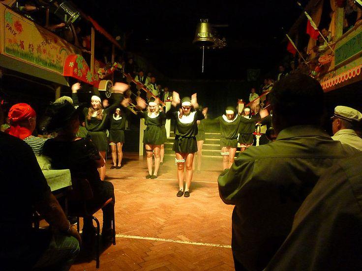 Frankreich im Alfred-Damm-Heim (Freital Wurgwitz). Klingt erst einmal sehr verwunderlich aber das diesjährige Motto vom Karnevalsclub Wurgwitz e.V. ist vive la france - Wir machen's französisch