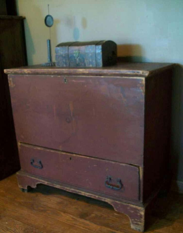 Early Country Antiques photo