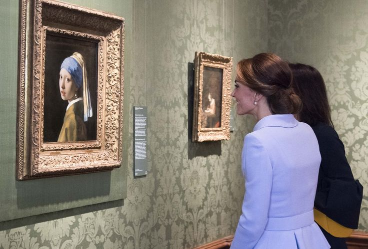 Kate Middleton once snuck into an art exhibition after-hours, almost like a regular person The Duchess of Cambridge went to see a 2012 David Hockney exhibition at the Royal Academy of Arts. While there, she chatted normally with a lawyer and his son—who didn't even recognize her.  via @AOL_Lifestyle Read more: https://www.aol.com/article/lifestyle/2017/04/11/fascinating-facts-royal-family-biography/22035857/?a_dgi=aolshare_pinterest#fullscreen