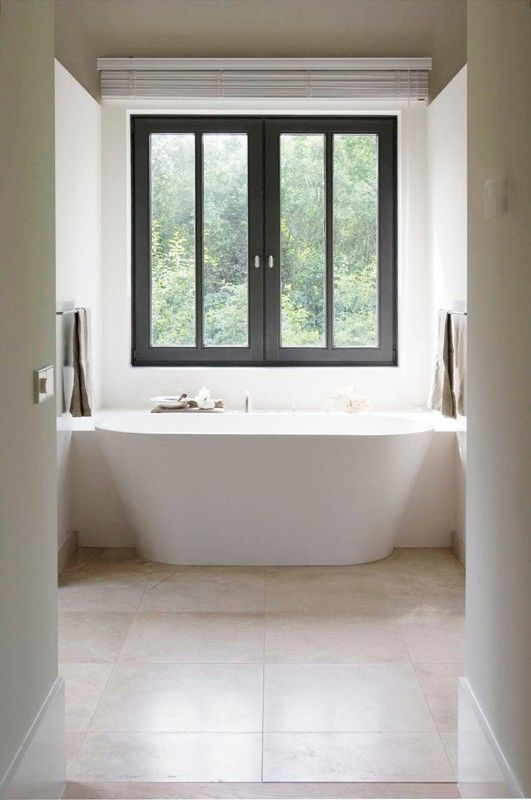 Durat tub - love this, maybe in a soft pale green like #211, celadon?