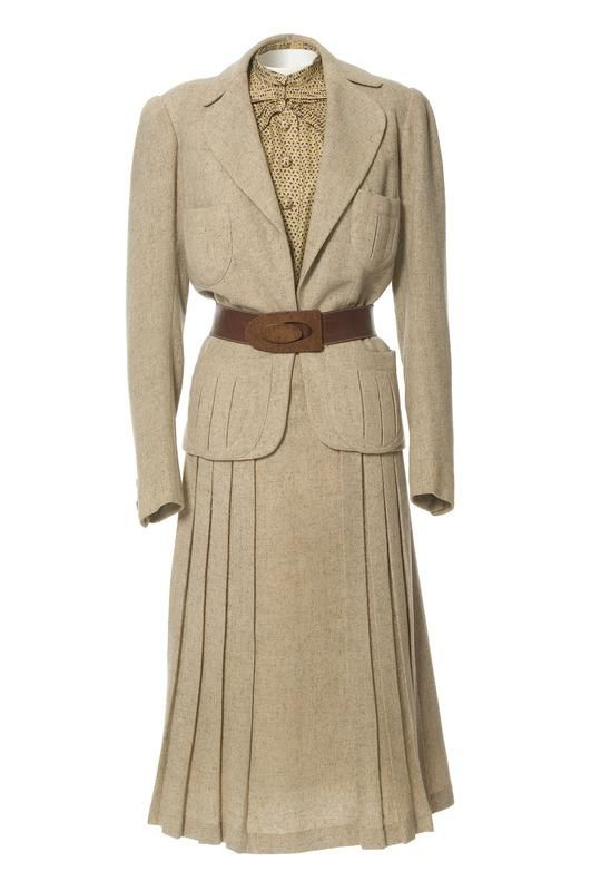 Tailored suit, Jeanne Paquin, Spring/Summer 1937. #Modest doesn't mean frumpy. www.ColleenHammond.com #style #fashion