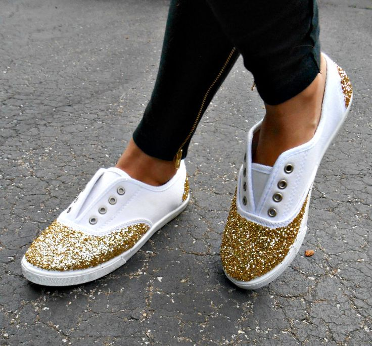 DIY glitter sneakers on www.howtwostyle.com