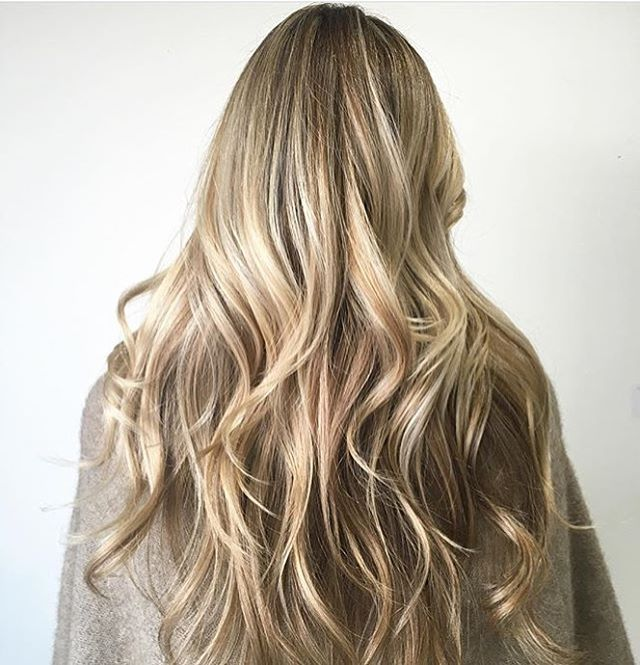 Low maintenance natural blonde ✅ Color by @sadieface #hair #hairenvy #haircolor #hairstyles #blonde #balayage #highlights #newandnow #inspiration #maneinterest