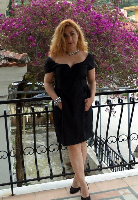 black tulip dress with sweetheart neckline Model #109 from Burda 05/2014