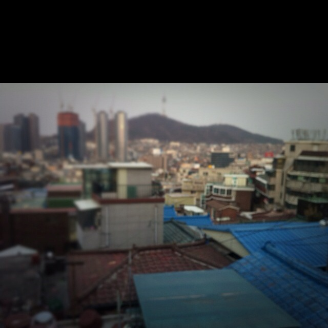 the past and present are coexist in Seoul.
