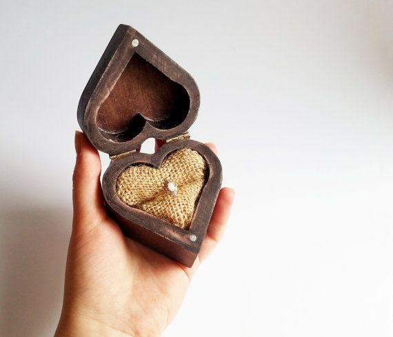 Patinated heart shaped engagement ring box, rustic looking old vintage jute burlap #crochet #gifts