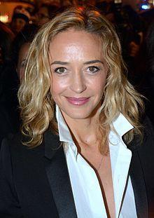 Hélène de Fougerolles est une actrice française
