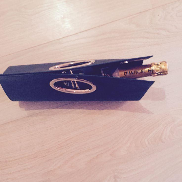 Champagne blue Relatiegeschenk
