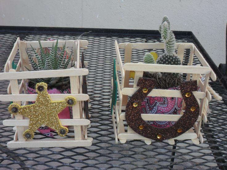 centro de mesa espinoso Fiesta vaquera Pinterest Sheriff callie, Cowboy party and Cowgirl