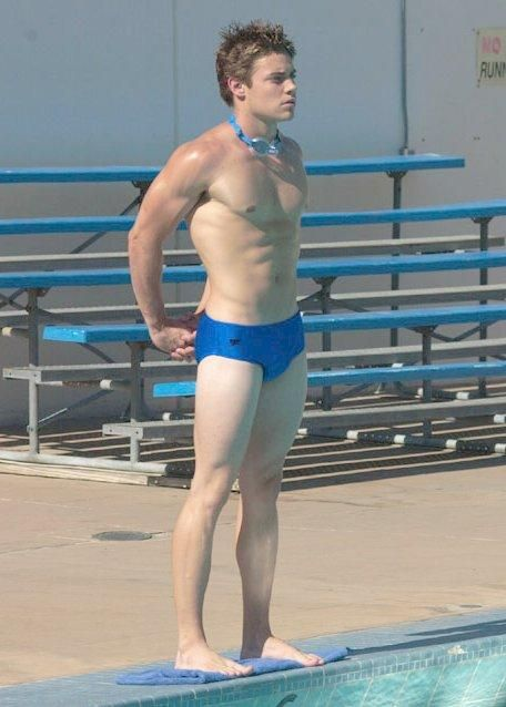 Dallas star Josh Henderson keeps his lean toned body by ...