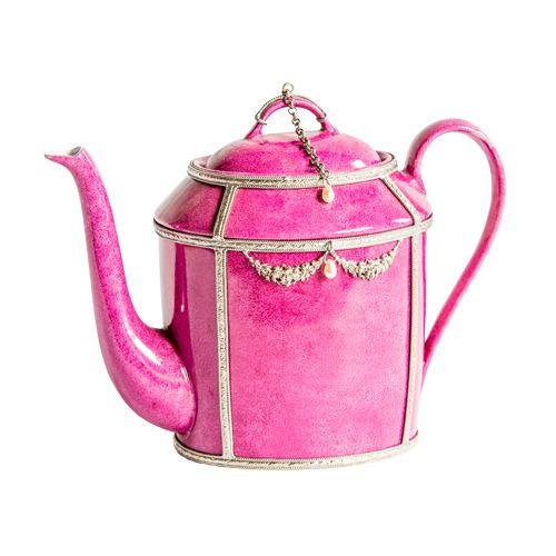 Tijd voor thee. Deze kleurrijke theepotten met zilveren metalen details roepen beelden op van een Parijse salon in de 19e eeuw. Theeliefhebbers kunnen genieten van deze prachtige theepotten gemaakt van Limoges porselein. Deze theepotten zijn met de hand geschilderd en vervolgens verstuurd naar Marokko om met zilver verfraaid te worden. Ontworpen door de Parijse kunstenaar […]