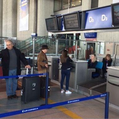 Les vols @aircorsicaofficiel sont désormais traités à l'aéroport de #NICE @aeroportnice au Terminal 2.2 Zone D pour votre confort  #cotedazur #airport #corse #aircorsica #vols #départs #flights #departure #airportlife #groundstaff #groundstafflife