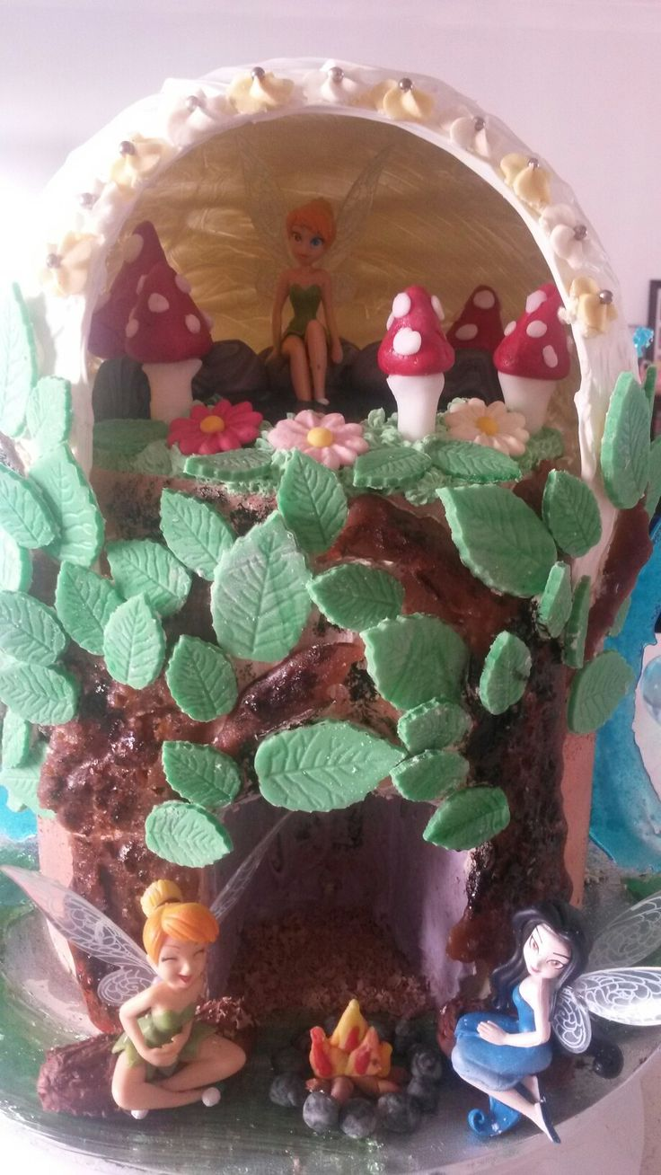 Tinkabell side of the Frozen cake