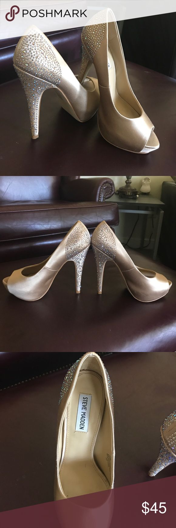 7.5 champagne colored heels with sequins on heel High heels with sequins open toe shoe Steve Madden Shoes Heels