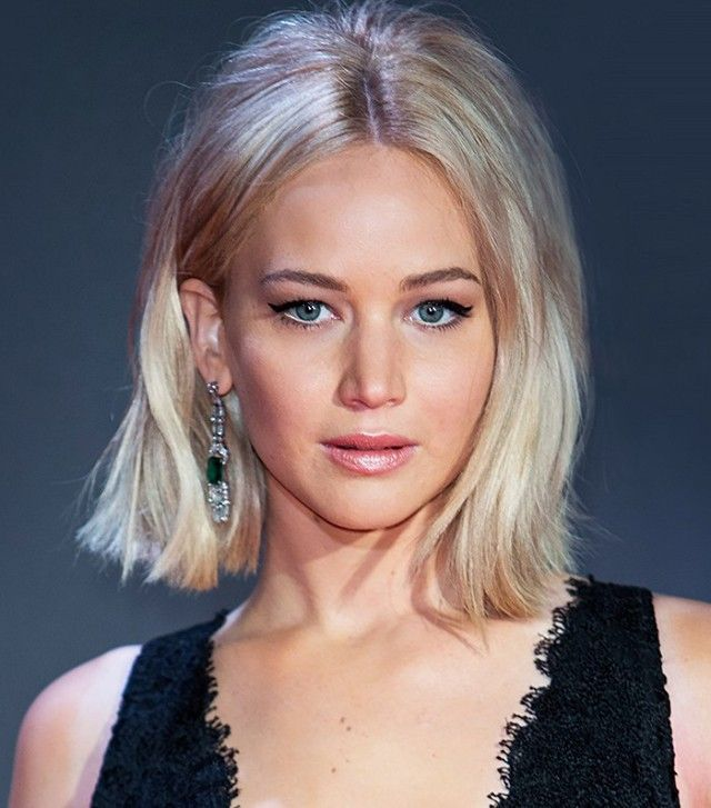 Jennifer Lawrence's teased hair, winged eyeliner and glossy lips are giving ...