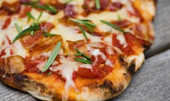Appehtite - Bacon & Rosemary Grilled Pizza
