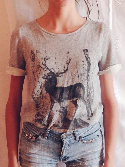 Mam do sprzedania szara koszulkę z firmy promod. Rozmiar XS,rownież dobrze bedzie wyglądac na S. Jest w stanie bardzo dobr...