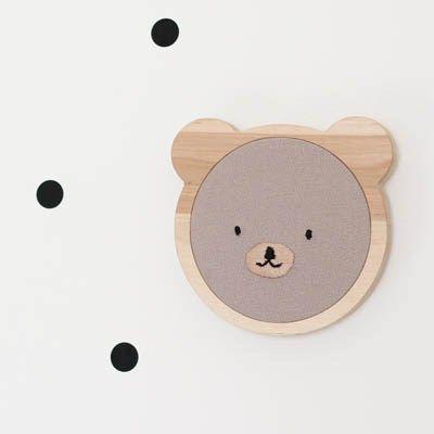 Bastidor marco de madera, con silueta de oso