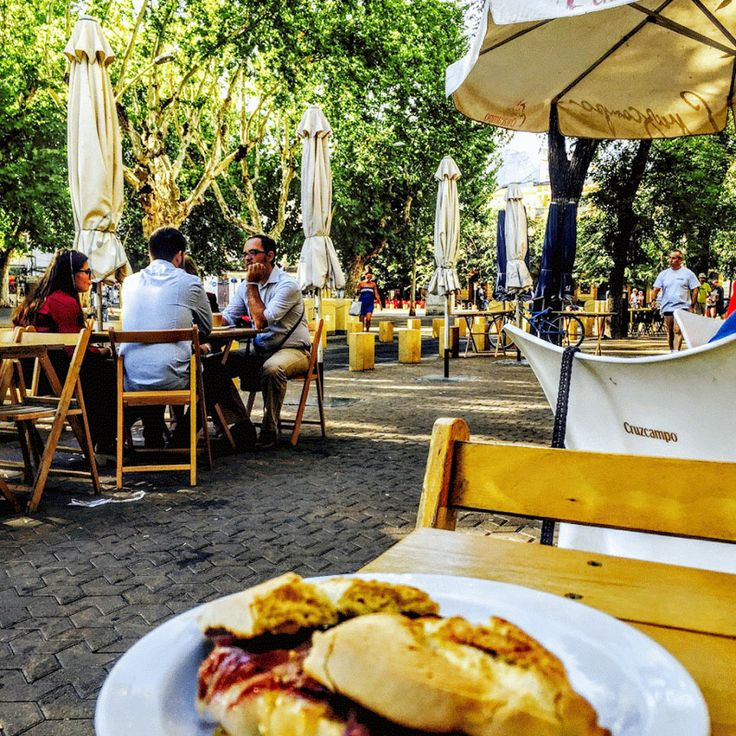 One of the best things in #Seville is that you can #eat #outside every day of the year.