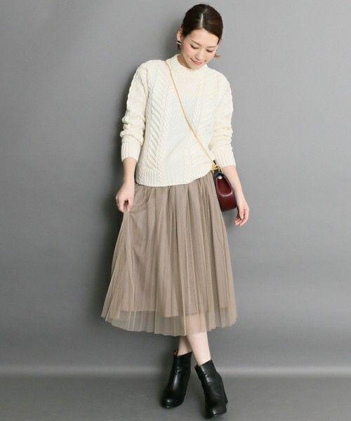 シンプルでおしゃれなコーデ。40代アラフォー女性におすすめのチュールプリーツスカートコーデ♪