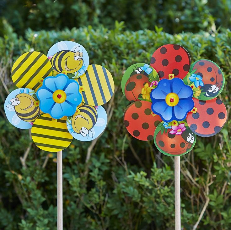 Bee & Bug Novelty Windmills a bit of quirky fun for the garden........#whirlywindmills #party #celebration #garden