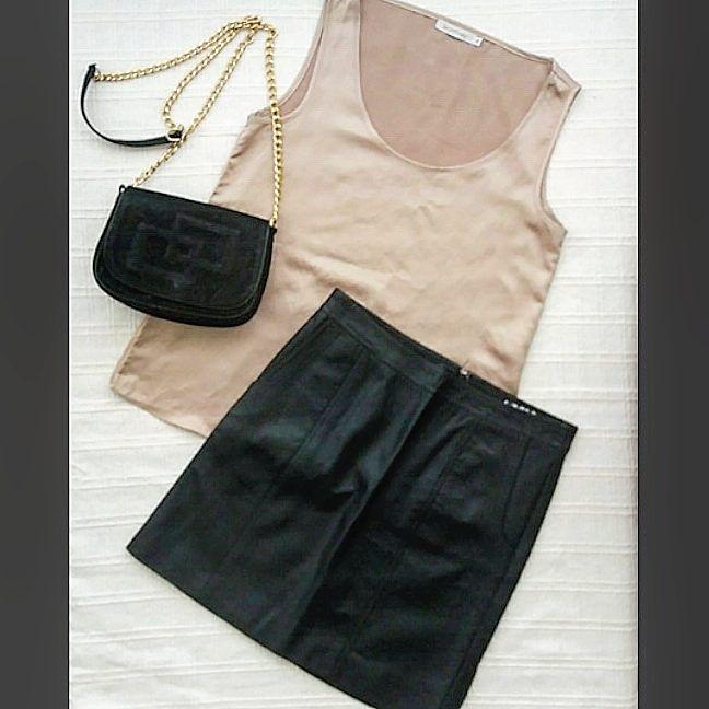 Regata de cetim tamanho 38 $2000 Saia couro sintético tamanho 36 $35 Bolsa $2000  #brecho #moda #modasustentavel #modafeminina #vintage #inspiração #brechoonline #brechosp #brechoveneza