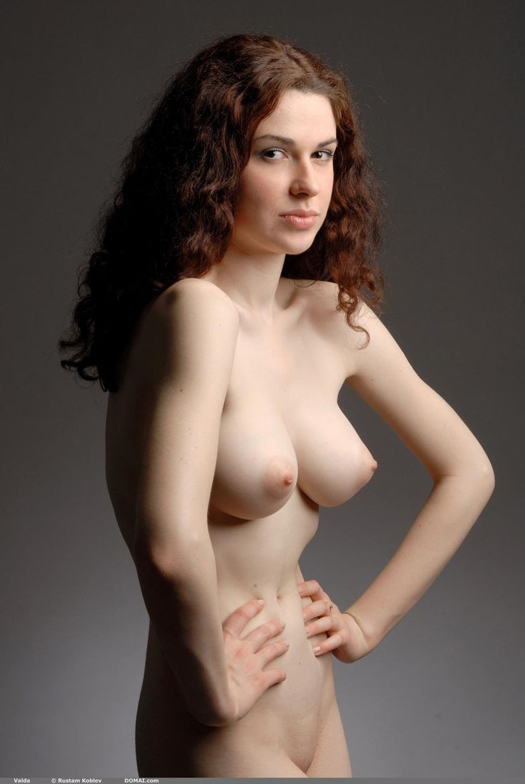 full figure nude art model