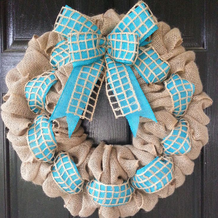 3210 best Wreaths, Swags and Bows images on Pinterest | Christmas ...
