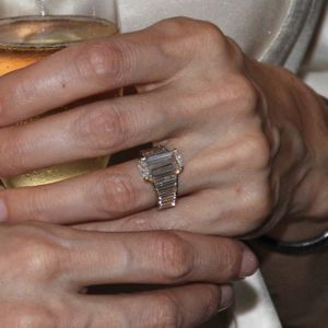 1_Angelina Jolie Engagement ring designed by Brad Pitt in collaboration with Robert Procop (credit -Howard Pasamanick)
