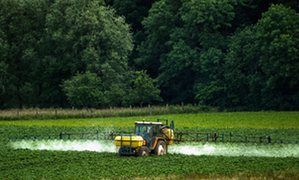 EU states rebel against plans to relicense weedkiller glyphosate  link to original article  Vote to approve relicensing of ingredient in herbicides including Roundup had been due on Monday but it may be postponed A rebellion by several EU countries could scupper plans by the European commission to approve the relicensing of a weedkiller linked to cancer by the World Health http://ift.tt/1pf1h6T