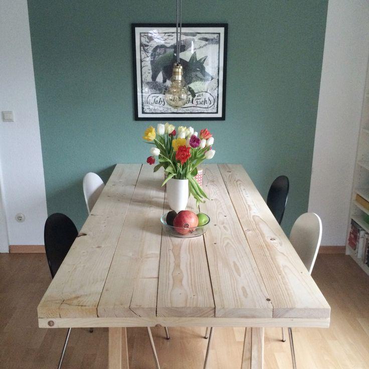 DIY-Projekt: Ein Tisch aus Baudielen – #altbau #au…