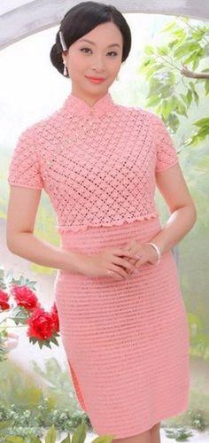 Розовое платье крючком