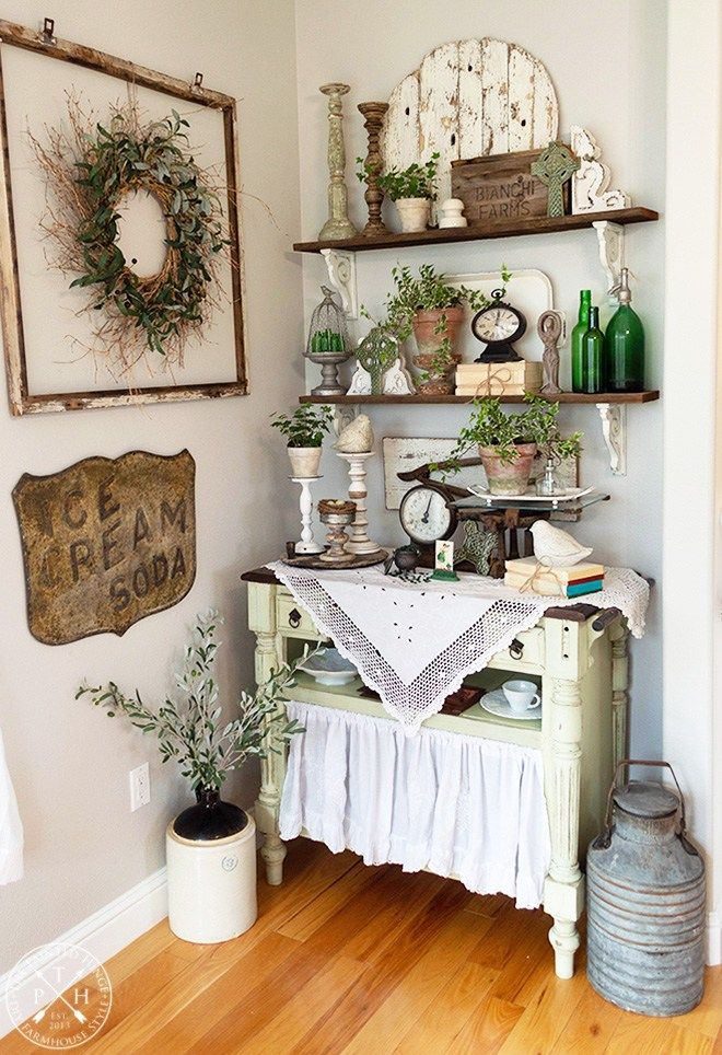 Farmhouse Shelf Styling Ideas For St Patrick S Day Farmhouse Shelves Country House Decor Country Home Decor