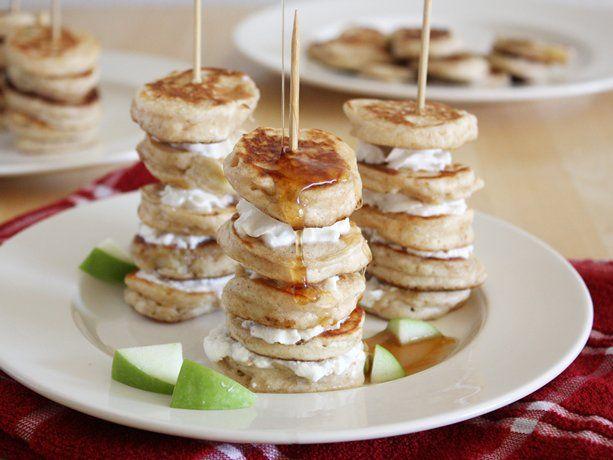 Mini Apple Pie Pancake Kabobs: Pancakes Kabobs, Mini Apple Pies, Minis Pancakes, Food, Breakfast, Pancake Kabobs, Minis Apples Pies, Kabobs Recipes, Pies Pancakes