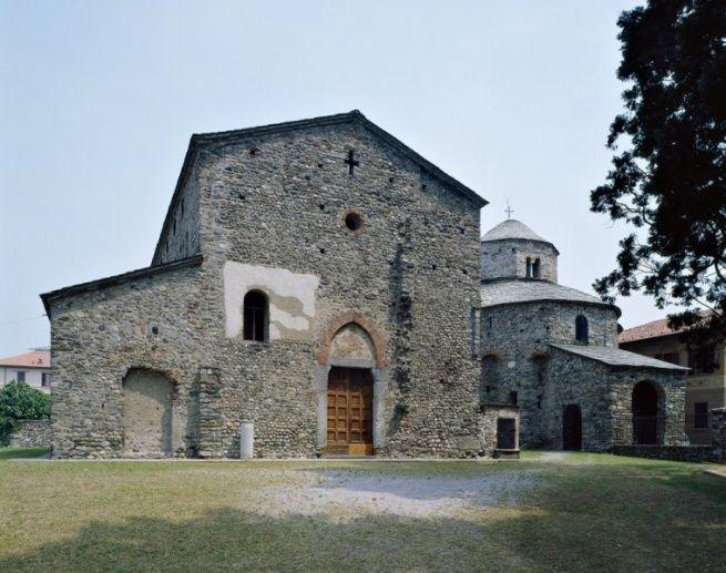 Cantù. Il complesso di Galliano | Luigi Grazioli #immediatidintorni #luigigrazioli #cantù #galliano #sanvincenzo #italia #svizzera #00doppiozero